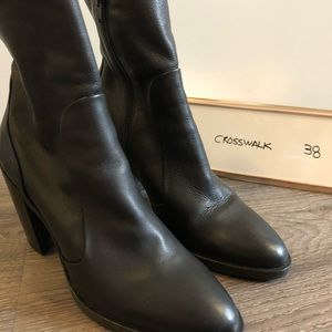 Leather ankle boots size 38 (fits like 37/7)